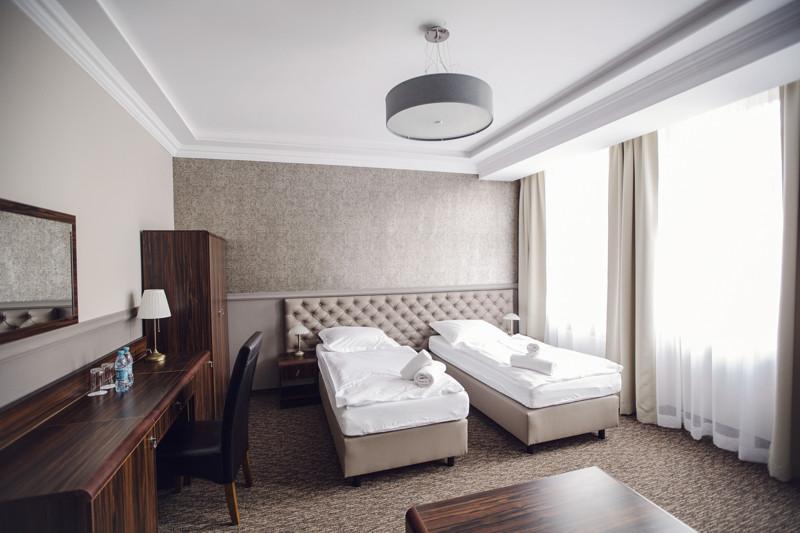 BRISTOL RESIDENCE HOTEL REA